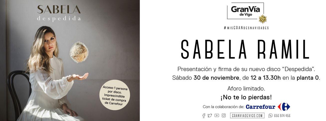 Sabela Ramil de OT presenta y firma su nuevo disco  en el Gran Vía de Vigo